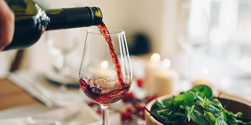 Alkohol und Migräne: Kann Verzicht die Anfallshäufigkeit senken?