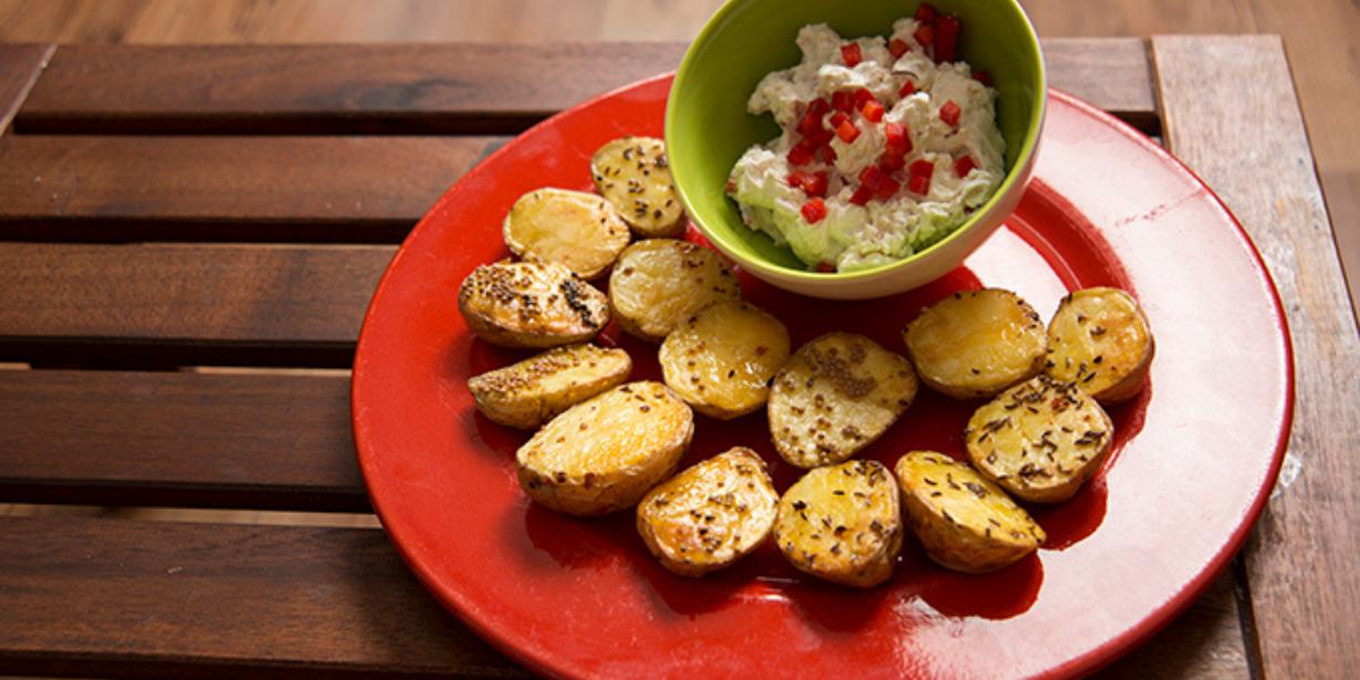 Essen fürs Hirn: Ofenkartoffeln mit Walnuss-Paprika-Creme
